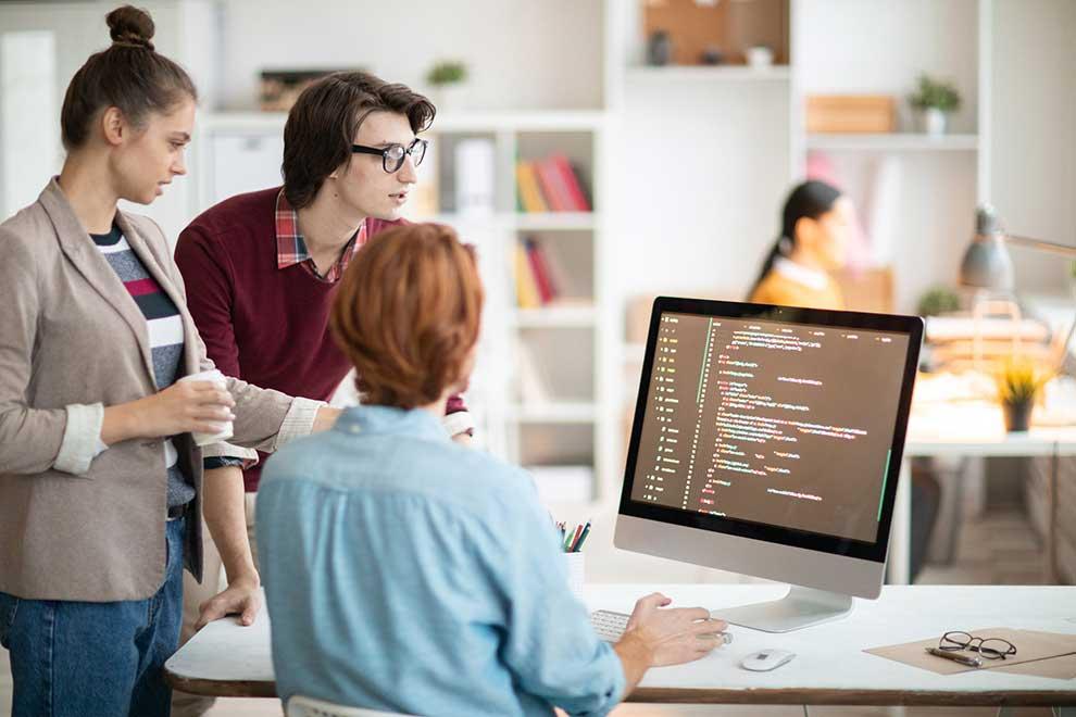 عملية تطوير موقع الويب بالكامل - دليل خطوة بخطوة